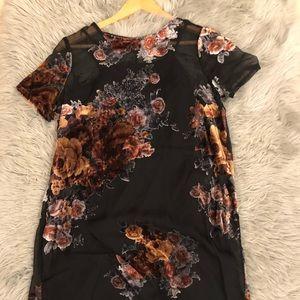 Forever 21 velvet shift floral dress